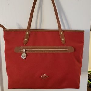 Coach Sawyer tote bag classic red